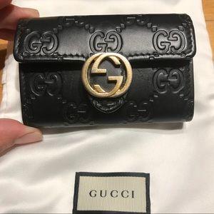 Gucci signature six key holder